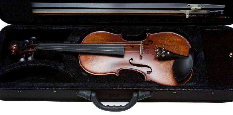Izzo entra no segmento de violinos e violoncelos para uso profissional