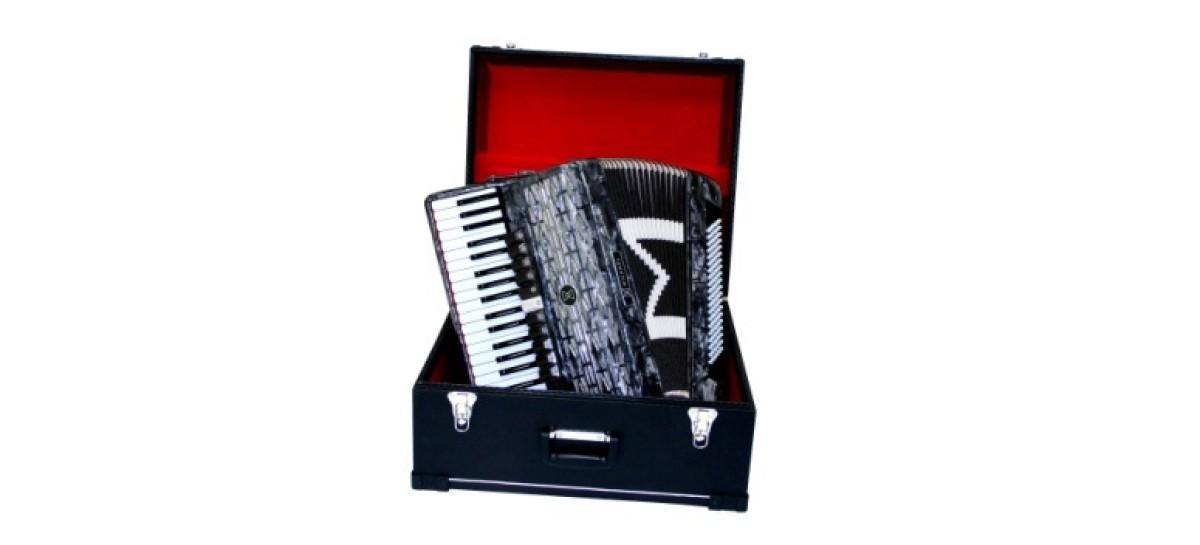 Michael oferece condições especiais na linha de acordeons