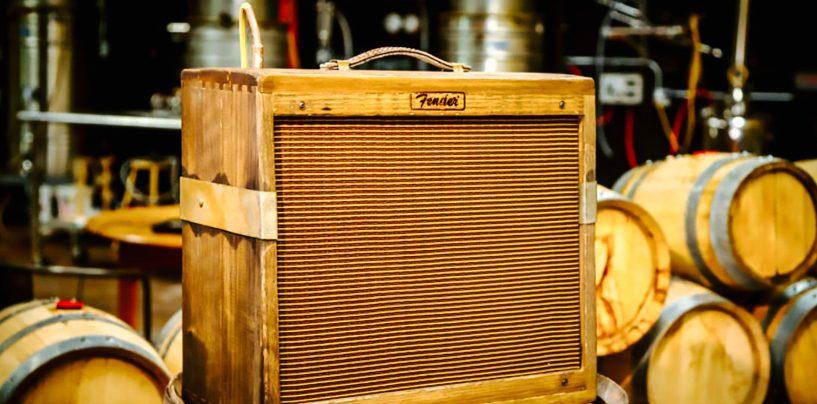 Fender adia lançamento de amp fabricado em barril de whiskey