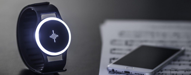 Design: Startup lança metrônomo Soundbrenner que vibra e é para vestir
