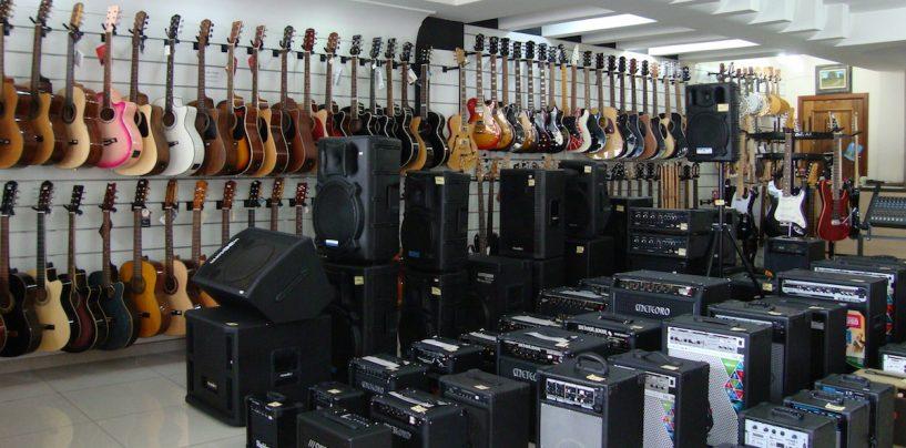 Instrumentos e cursos musicais na Cint Art