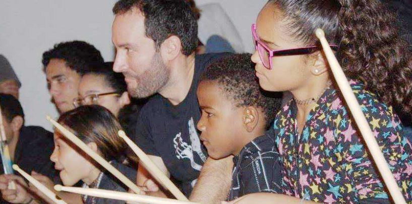 Associação para Iniciação Musical e School of Rock Jardins no Dia Nacional do Ensino da Música