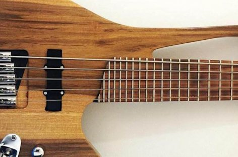 Luthier Julian Barro lança Charrua: o mini contrabaixo híbrido