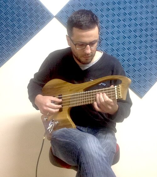 Luthier Julian Barro e sua Charrua