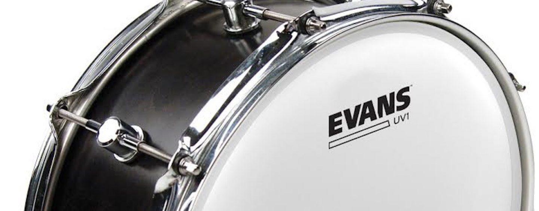 Peles Evans UV1 disponíveis na Musical Express