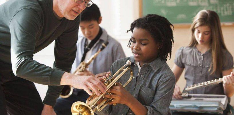 6 motivos para aprender a tocar um instrumento