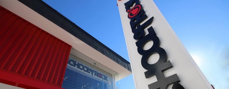 School of Rock faz parceria com lojas do setor