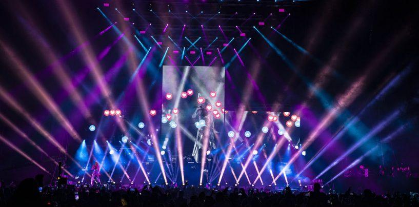 Luzes da Robe iluminam turnê da cantora Fey