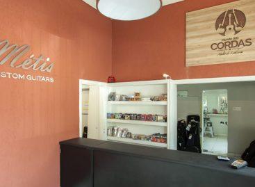 Mundo das Cordas e Métis Custom Guitars unem fabricação, serviços e venda