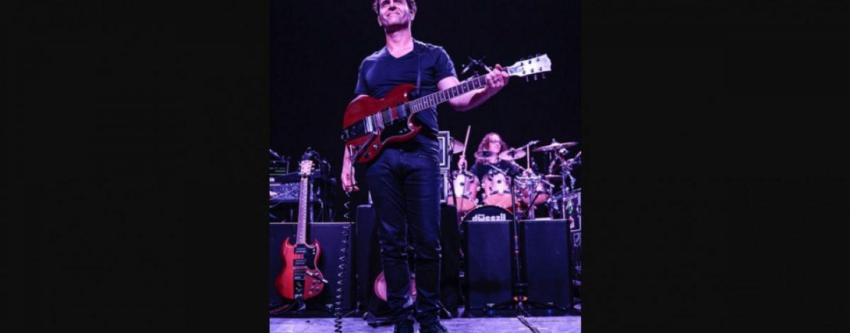 Dweezil Zappa escolhe monitores de áudio da QSC como referência para tons de guitarra clássica