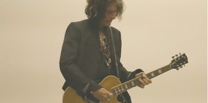 "Gibson apresenta a guitarra Joe Perry ""Gold Rush"" Les Paul Axcess"