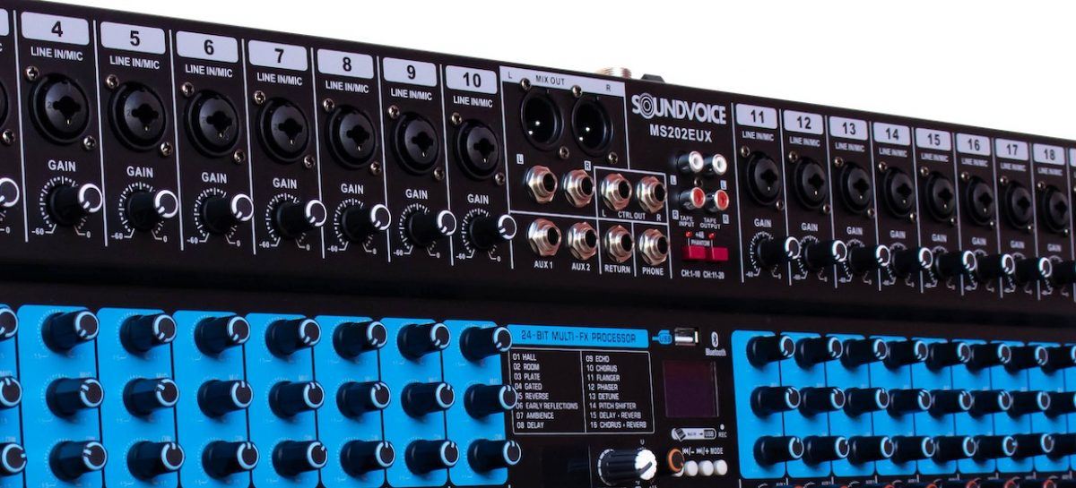 Mesa de som com 20 canais é o lançamento da Soundvoice