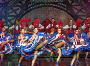 Aparelho Alice, da Robert Juliat, ambienta o Moulin Rouge em Paris