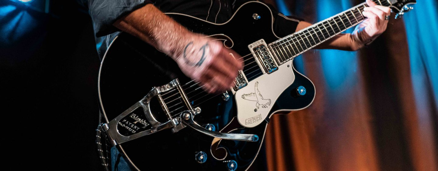 Gretsch introduz nova versão do modelo de guitarra Falcon