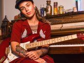 Fender e Tash Sultana lançam stratocaster signature
