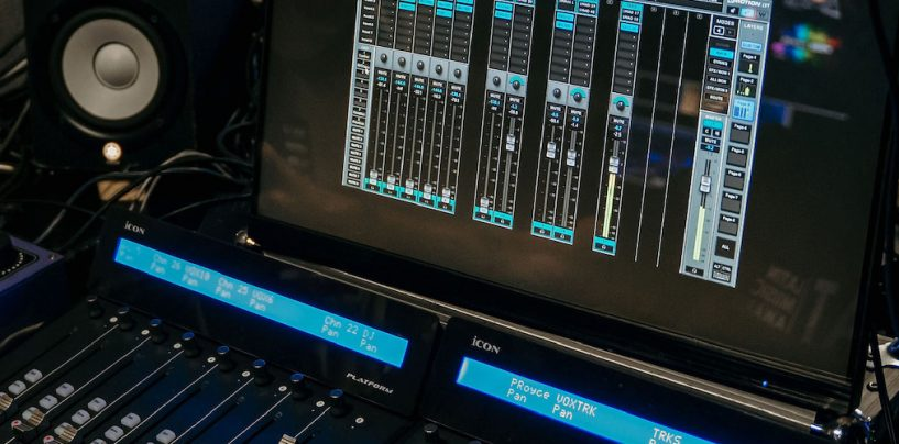 Mixer Waves eMotion LV1 nos Heat Latin Music Awards
