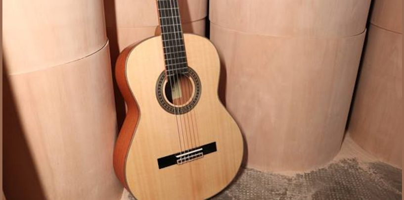 Em junho, PHX lança promoção de diversos violões com tampo sólido