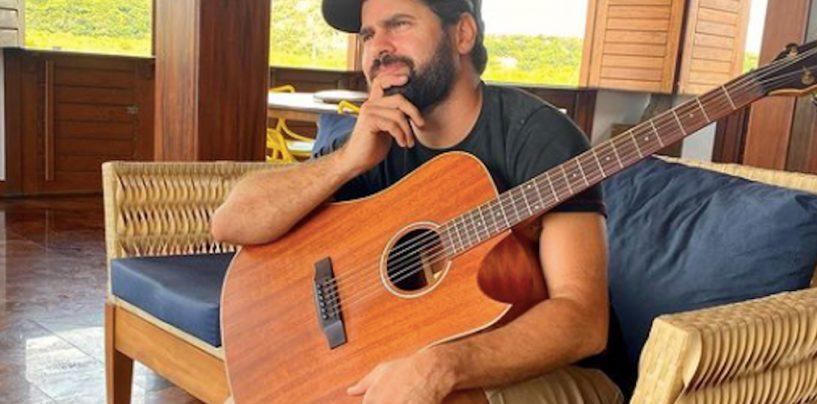 Renno Poeta conta o que mais gosta nos violões RedBurn